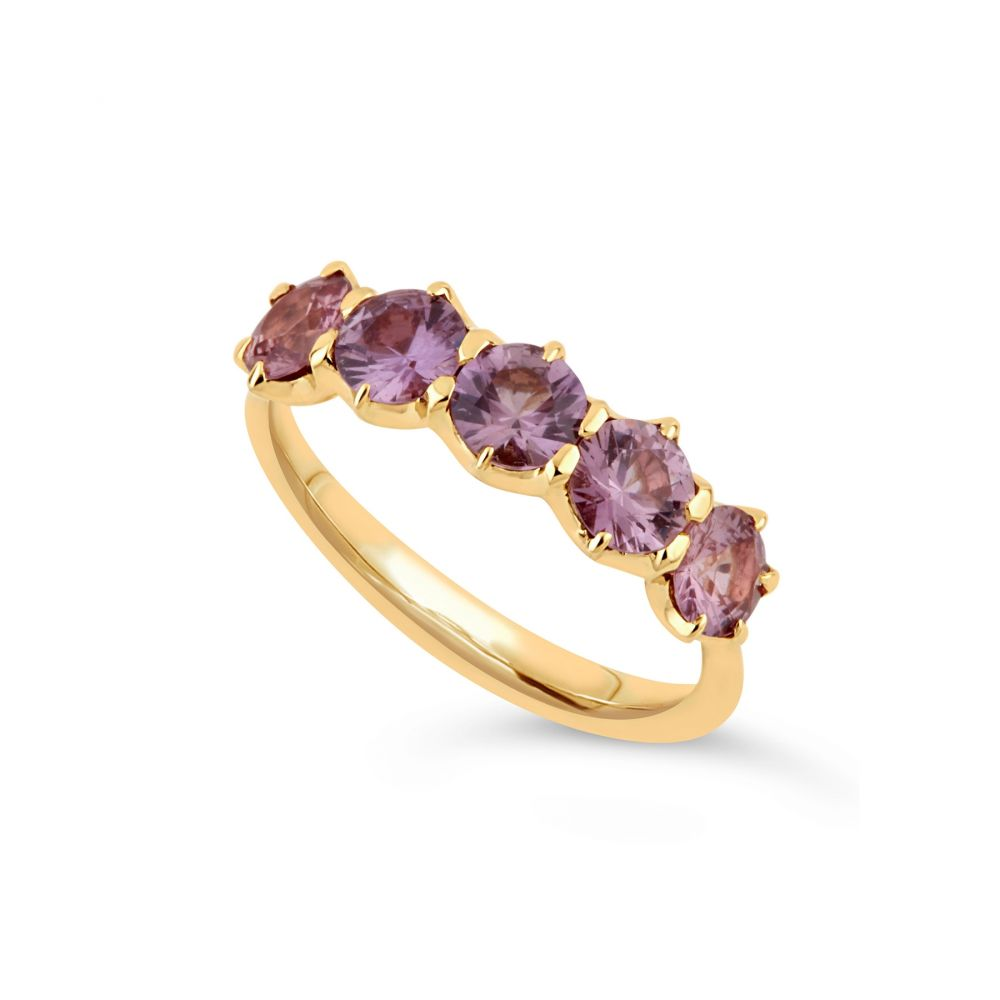 Multicoloured oink sapphire ring in yellow gold