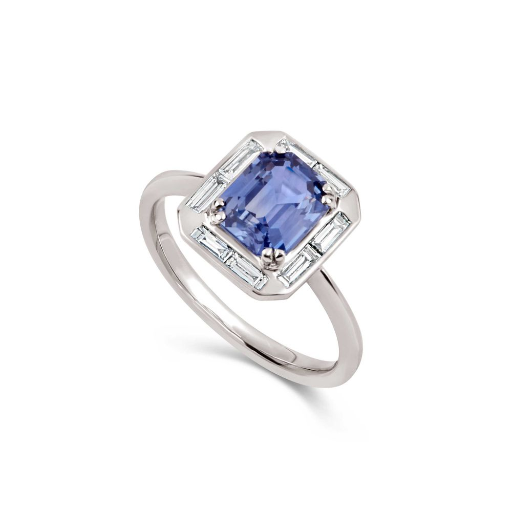 18k Gold Blue Sapphire and Baguette Cut Diamond Ring